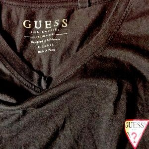 Guess tee black white and red